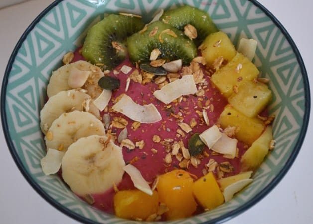 Gluten and Dairy Free Berry Smoothie Breakfast Bowl