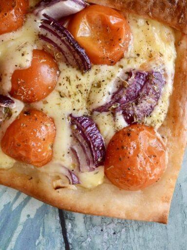 cheese tomato tart
