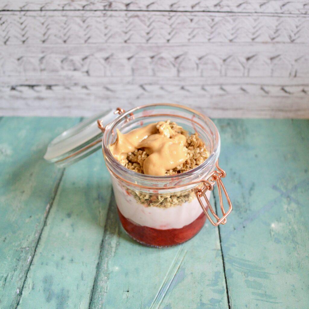 strawberry granola pot