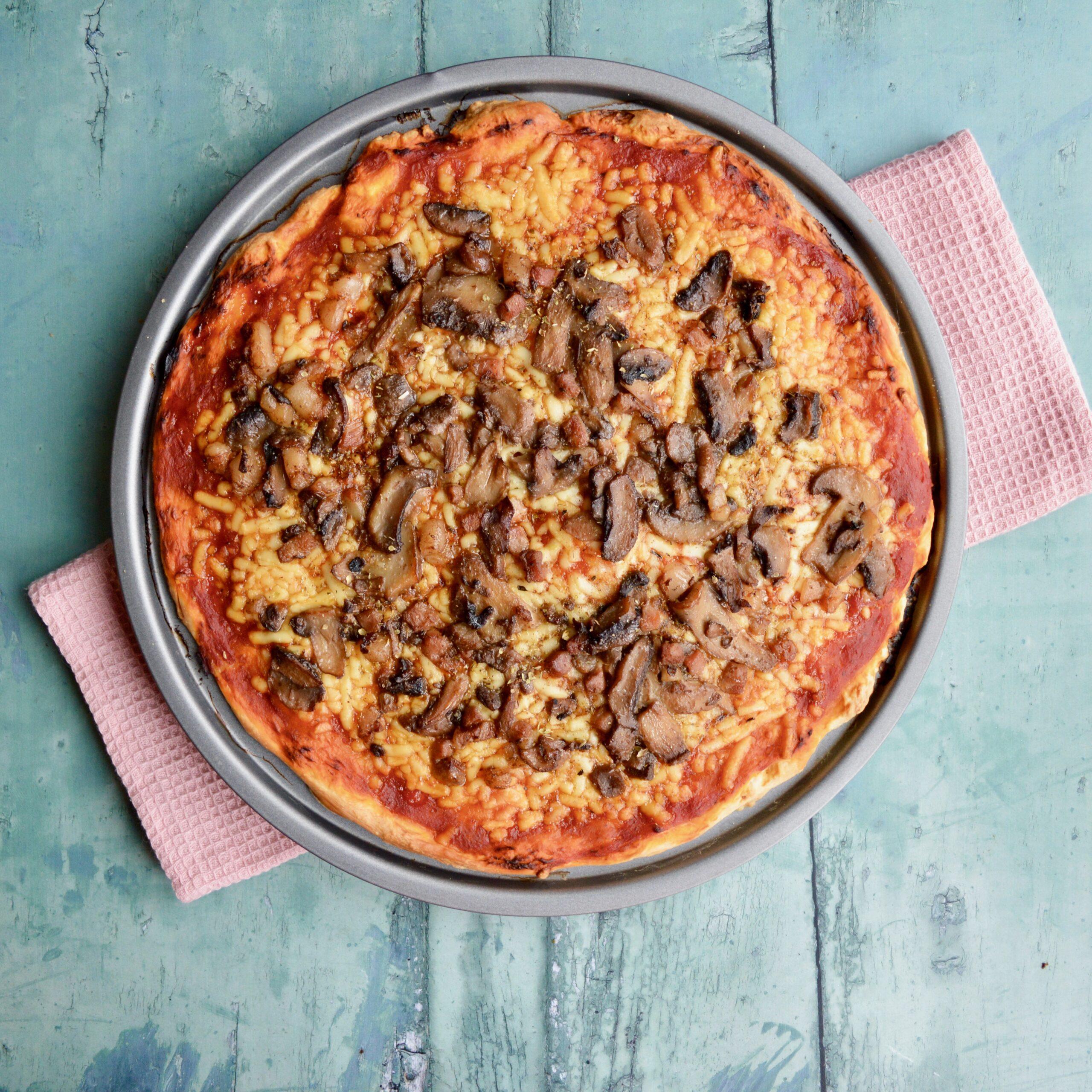 pancetta mushroom pizza